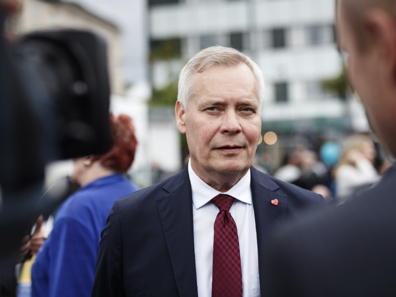 Prime Minister Antti Rinne (SDP) has called for patience from both sides of the upcoming collective bargaining negotiations, reminding that too big and too small wage increases could both have a negative impact on employment growth. (Roni Rekomaa – Lehtikuva)