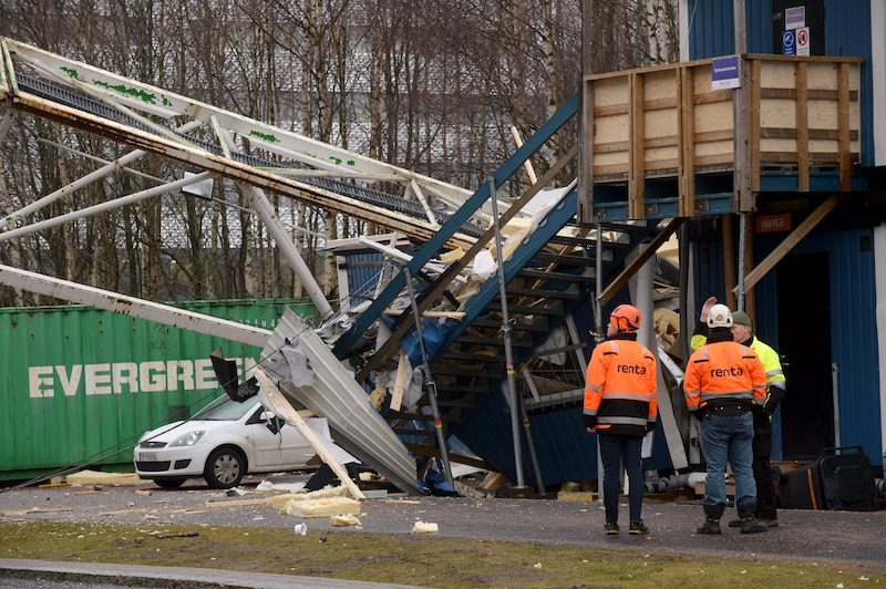 Workers survey the damage at the construction site in Tikkurila (Image: Lehikuva)