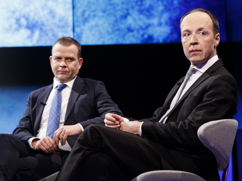 Opposition leaders Petteri Orpo (left) and Jussi Halla-aho (right) have taken advantage of their time in the opposition, indicates an opinion poll by YLE. (Roni Rekomaa – Lehtikuva)
