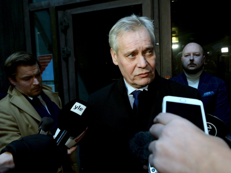 Prime Minister Antti Rinne (SDP) spoke to reporters after discussing the ongoing coalition crisis with his fellow party members in Helsinki on Monday, 2 December 2019. (Mikko Stig – Lehtikuva)