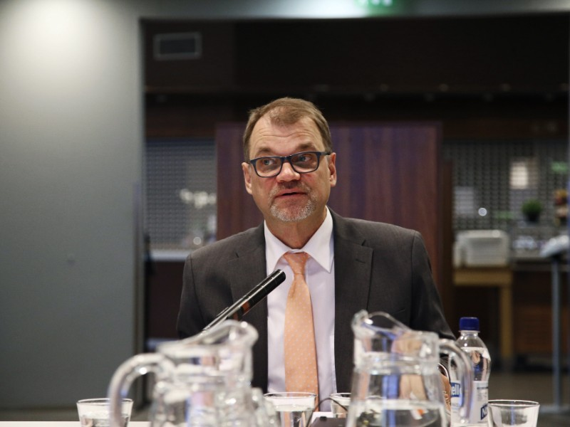 Prime Minister Juha Sipilä (Centre) told YLE on Sunday that the detection of discrepancies in the operations of Esperi care is an indication that supervision works in Finland. (Credit: Eeva Riihelä – Lehtikuva)