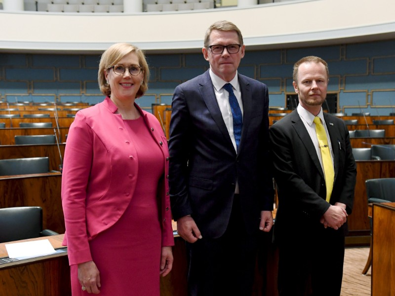 New Speakers of the Parliament, from left to right, Tuula Haatainen (SDP), Matti Vanhanen (Centre) and Juho Eerola (PS) posed for a photograph in the Finnish Parliament on Friday, 7 June 2019. (Antti Aimo-Koivisto – Lehtikuva)