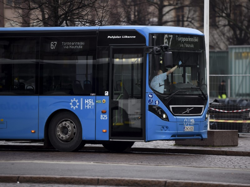 Sympathy strikes staged by the Transport Workers' Union (AKT) and Trade Union for the Public and Welfare Sectors (JHL) are expected to severely disrupt bus services in Greater Helsinki on Monday. (Antti Aimo-Koivisto – Lehtikuva)