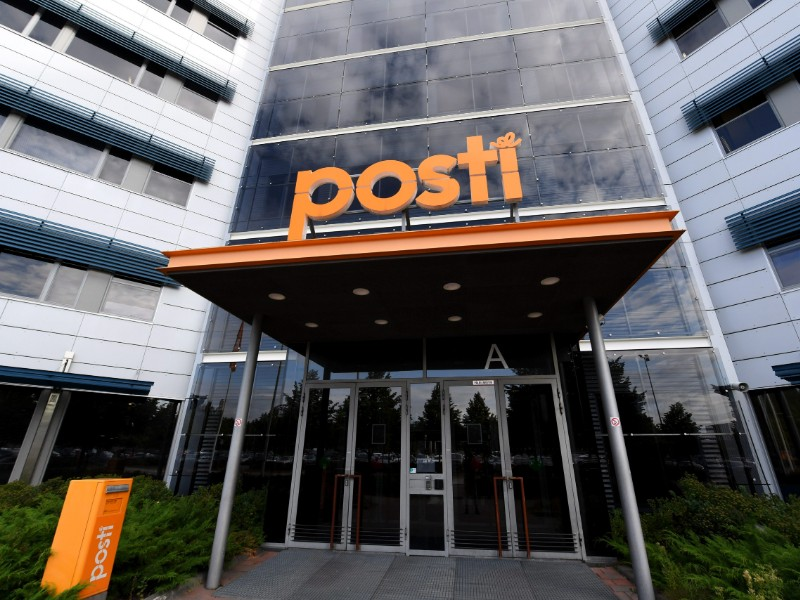 Posti in August announced it is looking to create cost savings of up to 200 million by 2021. (Jussi Nukari – Lehtikuva)