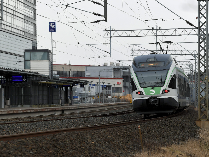 VR, the Finnish state-owned railway operator, in mid-March announced it is to reduce services and temporarily lay off all staff for no more than 90 days due to a sharp decline in passenger demand caused by the coronavirus outbreak. (Antti Aimo-Koivisto – Lehtikuva)
