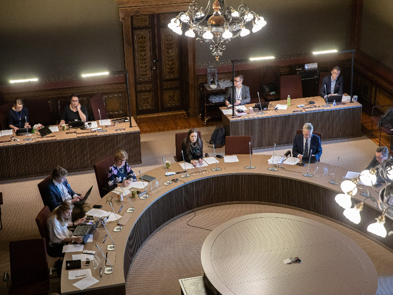 The coronavirus pandemic was the main focus of attention as the government convened for its framework session at the House of the Estates in Helsinki on Wednesday, 8 April. (Lauri Heikkinen – Office of the Finnish government)