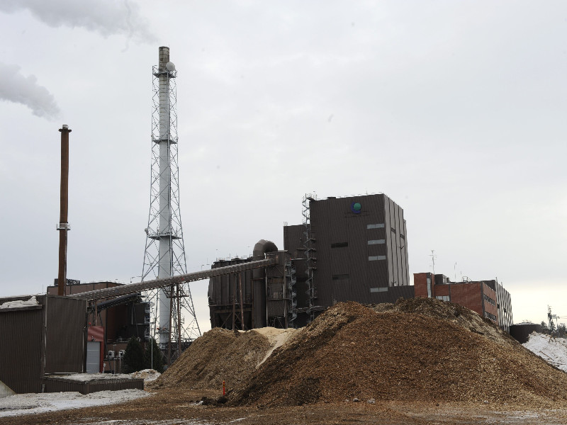 A peat and wood chip-fuelled combined heat and power plant in Joensuu. (Timo Jaakonaho – Lehtikuva)