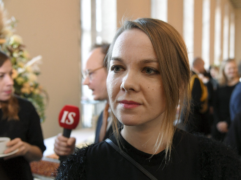 Katri Kulmuni, the chairperson of the Centre, spoke to reporters at the opening ceremony of the new parliamentary session in Helsinki on Wednesday, 5 February. (Markku Ulander – Lehtikuva)