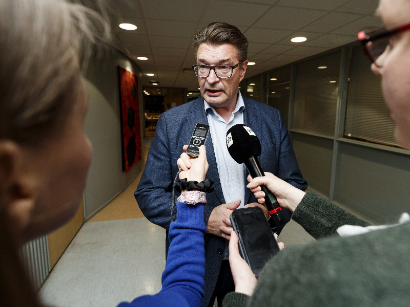 Jorma Malinen, the chairperson of Trade Union Pro, spoke to the media in the midst of collective bargaining negotiations with Finnish Forest Industries. (Roni Rekomaa – Lehtikuva)