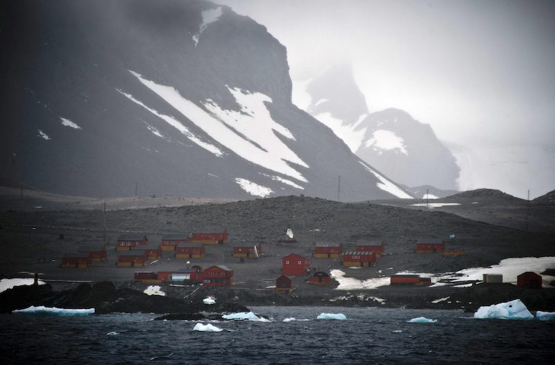 A shot from the shores of Argentine Antarctica, where temperatures reached their hottest ever (Image: Lehtikuva)