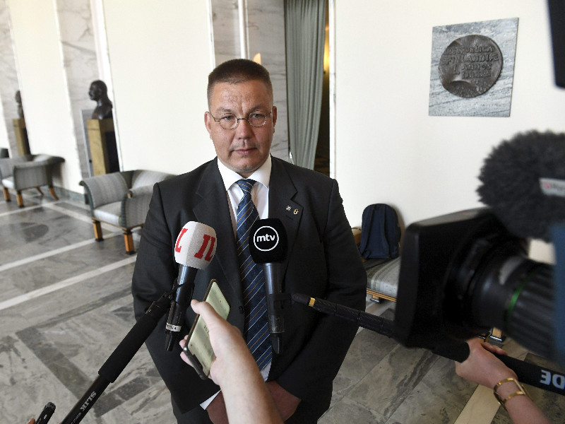 The Finns Party's Juha Mäenpää spoke to reporters ahead of the last parliamentary session before the summer recess in Helsinki on Friday, 26 June 2020. (Vesa Moilanen – Lehtikuva)