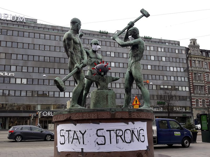 The famous statue on Mannerheimintie earlier today (Image: Lehtikuva)