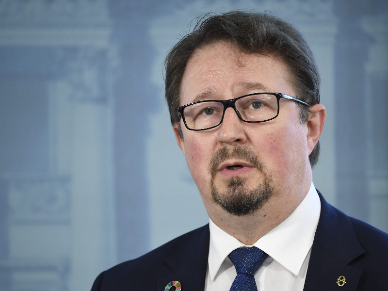 Mika Salminen, the head of health security at the Finnish Institute for Health and Welfare (THL), reacted during a joint presser of THL and the Ministry of Social Affairs and Health in Helsinki on Thursday, 28 May 2020. (Heikki Saukkomaa – Lehtikuva)