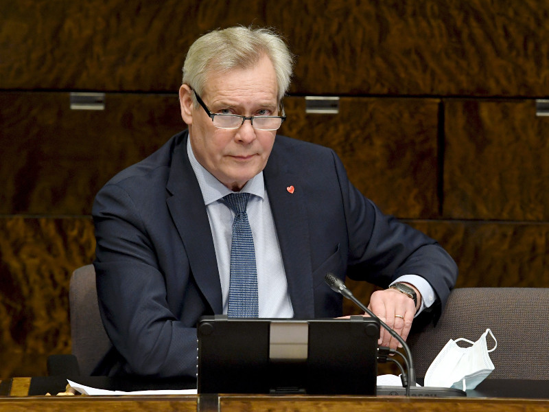 Antti Rinne (SDP), the chairperson of the Parliament's Constitutional Law Committee, has voiced his doubt about the committee's ability to finalise a statement on the health and social care bill by Friday. (Jussi Nukari – Lehtikuva)