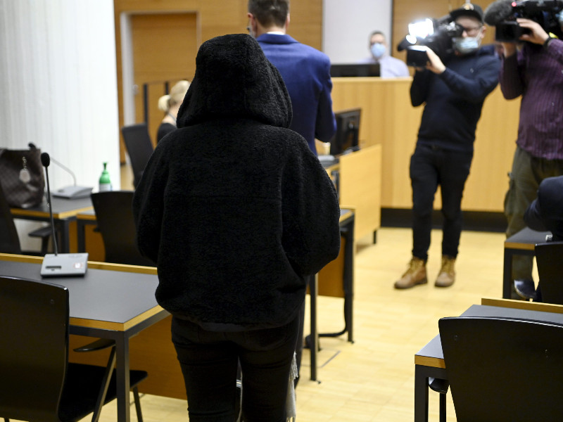 The daughter of the allegedly dead asylum seeker was photographed in the District Court of Helsinki on 11 January 2021. (Antti Aimo-Koivisto – Lehtikuva)